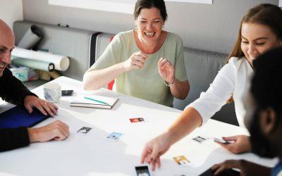 Vezetőként hogyan dicsérjük munkatársainkat?